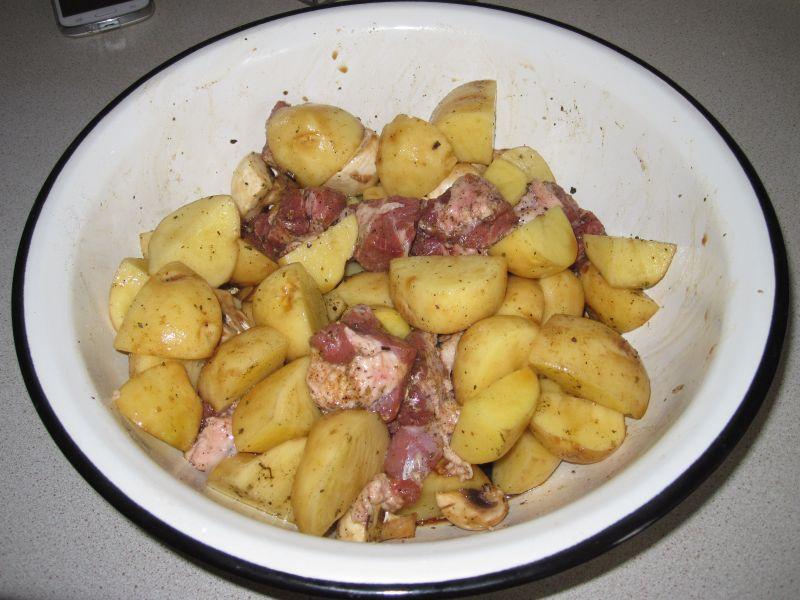 Картошка с мясом в духовке — 6 рецептов этап 4