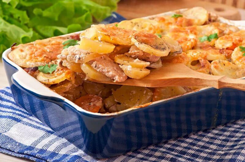 Картошка с мясом в духовке — 6 рецептов этап 1