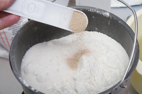 Кулич в хлебопечке — 6 простых и вкусных рецептов этап 37