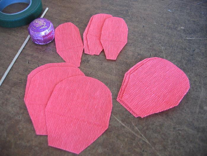 Розы из гофрированной бумаги своими руками: пошаговые инструкции для начинающих этап 4