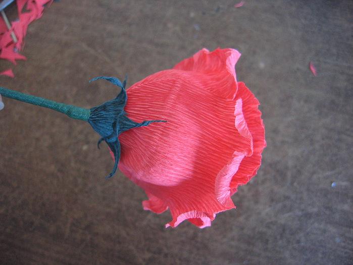 Розы из гофрированной бумаги своими руками: пошаговые инструкции для начинающих этап 22