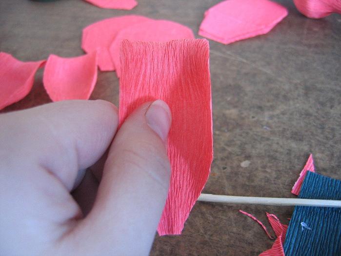 Розы из гофрированной бумаги своими руками: пошаговые инструкции для начинающих этап 11