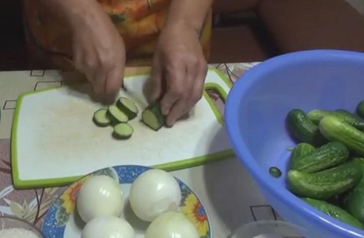 Огурцы в томате на зиму — 6 обалденных рецептов этап 26