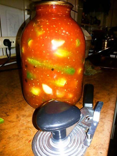 Огурцы в томате на зиму — 6 обалденных рецептов этап 25