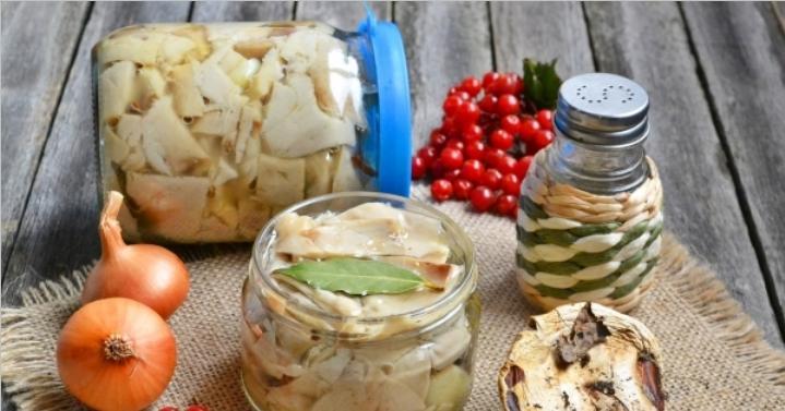 Грузди, соленые горячим способом в банках на зиму по рецептам быстрого приготовления этап 13