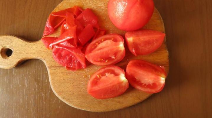 Помидоры в собственном соку — 6 простых рецептов на зиму этап 27