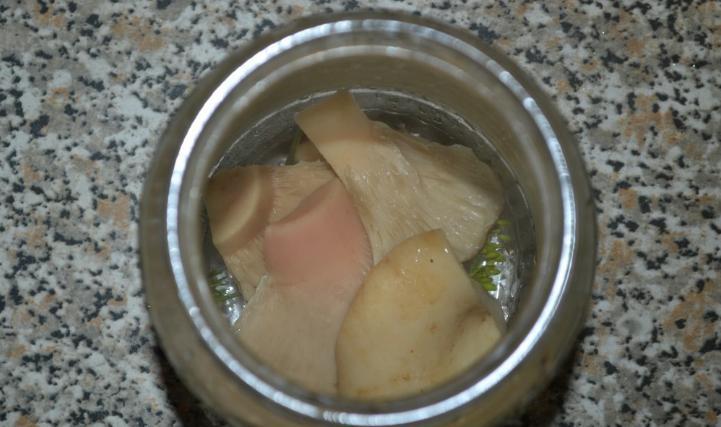 Грузди, соленые горячим способом в банках на зиму по рецептам быстрого приготовления этап 27