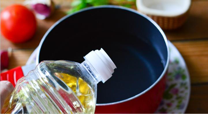 Помидоры дольками с луком и маслом на зиму: рецепты «пальчики оближешь» этап 32
