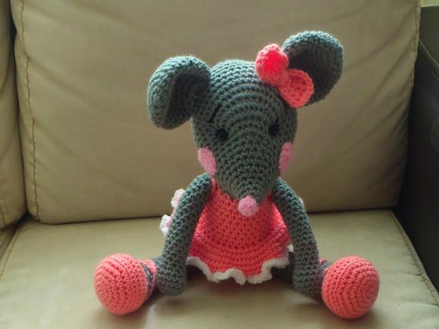 Вязаные мышки и крысы крючком со схемами и описанием. Мастер-классы игрушек амигуруми для начинающих этап 88