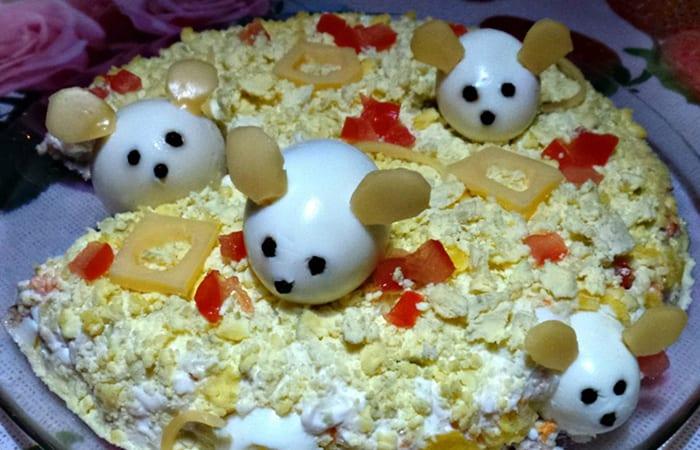 Салат в виде крысы (мышки) на Новый год 2020. Топ 8 рецептов новогодних салатов этап 42