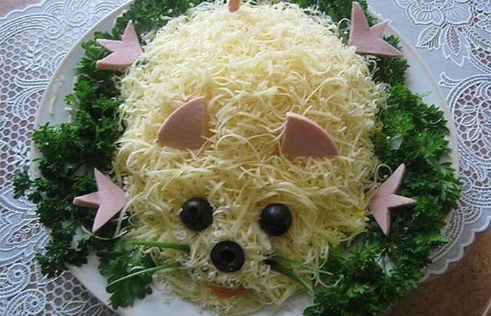 Салат в виде крысы (мышки) на Новый год 2020. Топ 8 рецептов новогодних салатов этап 43