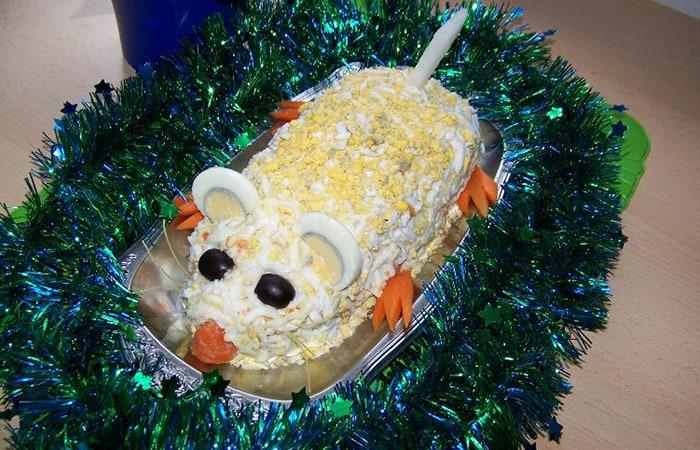 Салат в виде крысы (мышки) на Новый год 2020. Топ 8 рецептов новогодних салатов этап 46