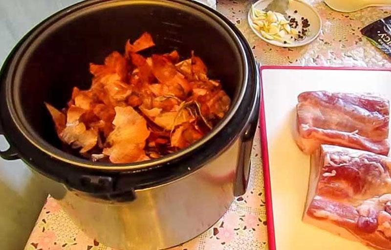 Как сварить сало в луковой шелухе? 7 самых вкусных рецептов этап 20