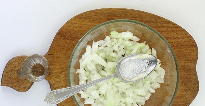 Салат в виде крысы (мышки) на Новый год 2020. Топ 8 рецептов новогодних салатов этап 21