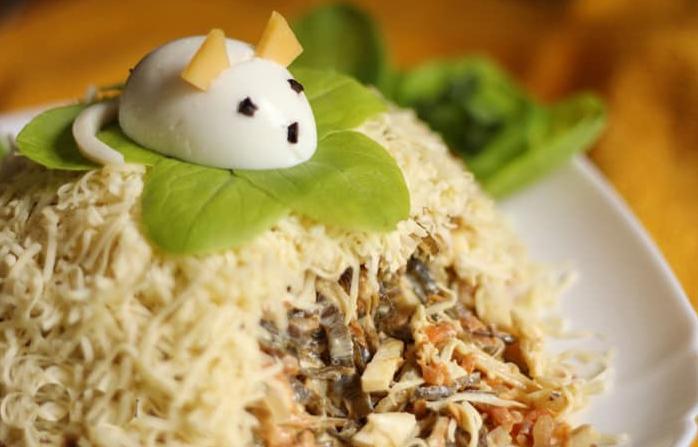 Салат в виде крысы (мышки) на Новый год 2020. Топ 8 рецептов новогодних салатов этап 29