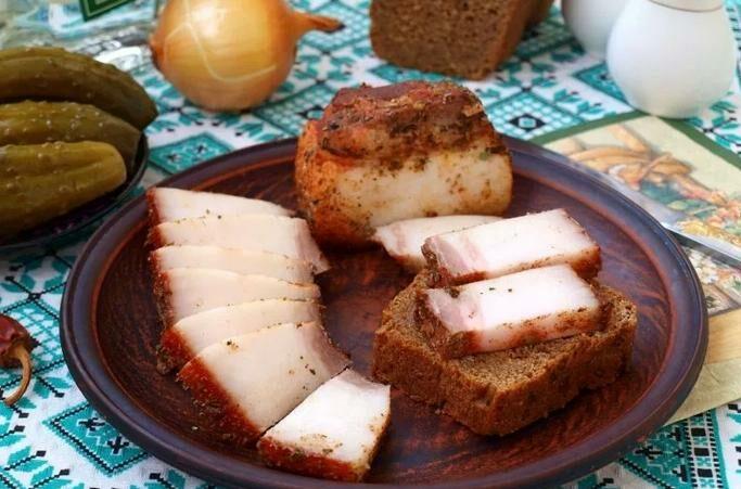 Как сварить сало в луковой шелухе? 7 самых вкусных рецептов этап 1