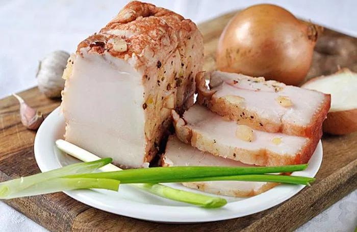 Как сварить сало в луковой шелухе? 7 самых вкусных рецептов этап 21