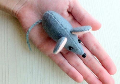 Крыса (мышь) своими руками на Новый год — поделки в виде символа года 2020 из разных материалов этап 14