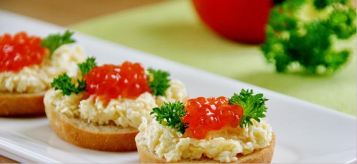 Бутерброды с икрой на праздничный стол — 7 простых рецептов этап 2