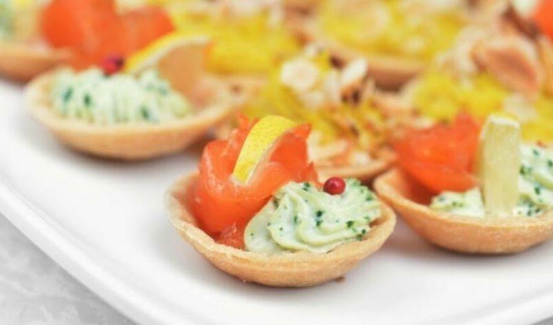 Закуски в тарталетках — 10 простых и вкусных рецептов на праздничный стол этап 27
