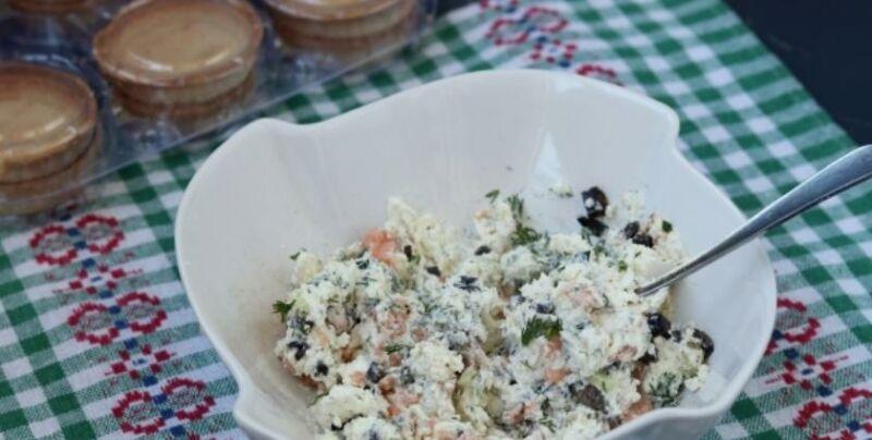 Закуски в тарталетках — 10 простых и вкусных рецептов на праздничный стол этап 19