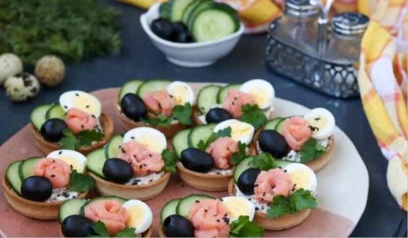 Закуски в тарталетках — 10 простых и вкусных рецептов на праздничный стол этап 15