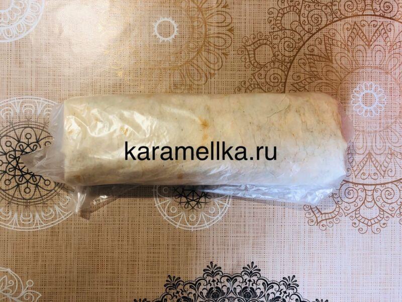 Рулет из лаваша с корейской морковкой и колбасой. Простой рецепт рулета из лаваша с начинкой этап 16