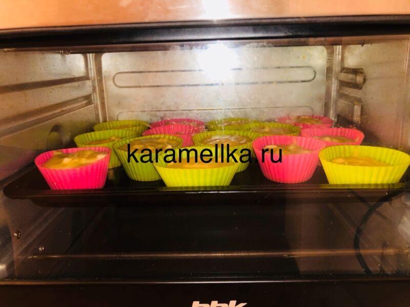 Кексы с бананом в силиконовых формочках (простой рецепт) этап 17
