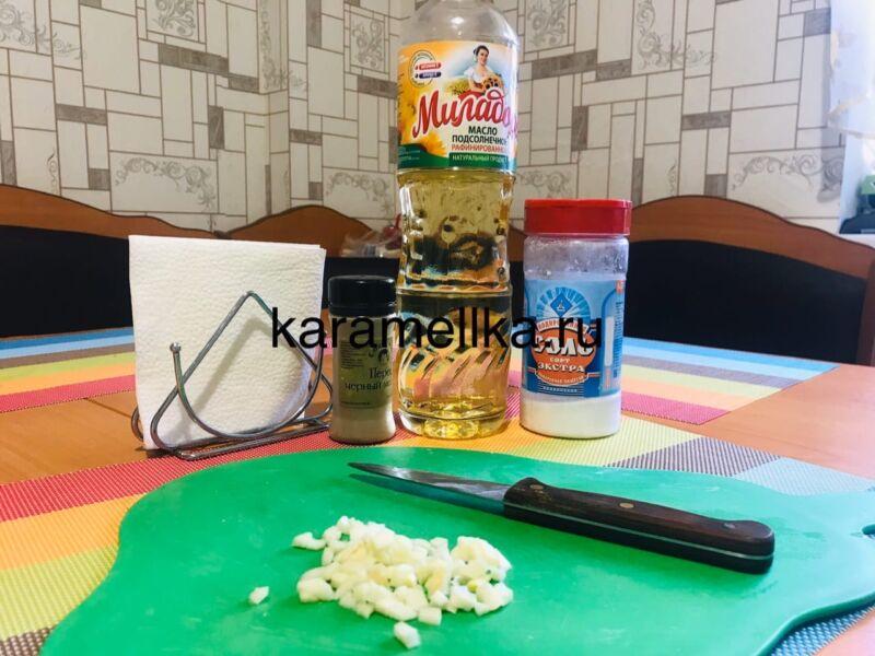 Жареная картошка на сковороде с чесноком (рецепт картофеля с хрустящей корочкой) этап 4