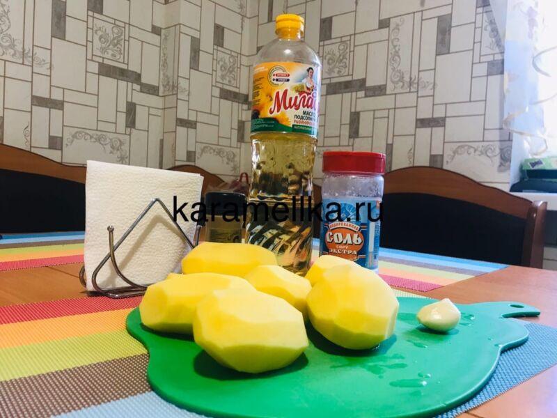 Жареная картошка на сковороде с чесноком (рецепт картофеля с хрустящей корочкой) этап 2
