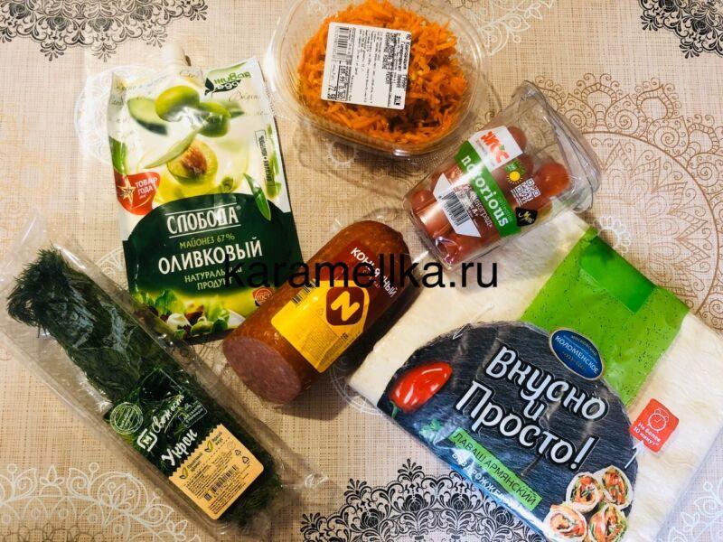 Рулет из лаваша с корейской морковкой и колбасой. Простой рецепт рулета из лаваша с начинкой этап 2