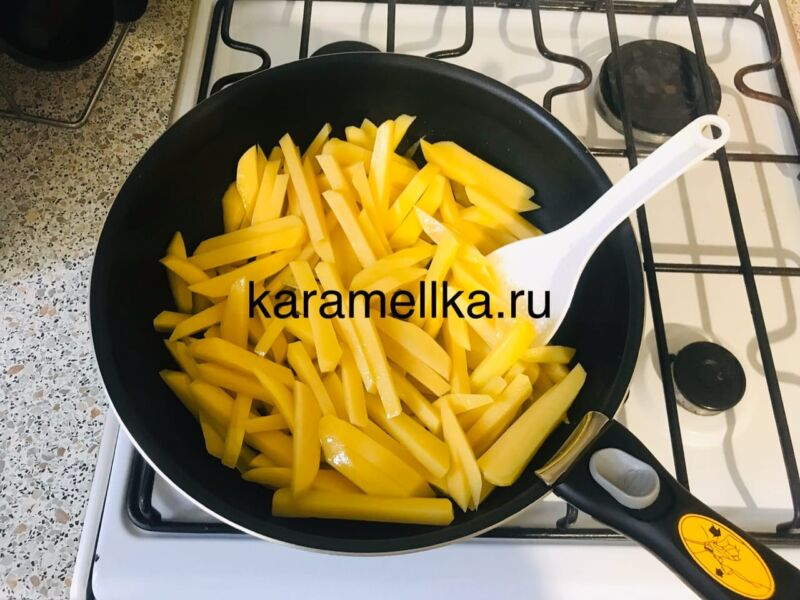 Жареная картошка на сковороде с чесноком (рецепт картофеля с хрустящей корочкой) этап 7