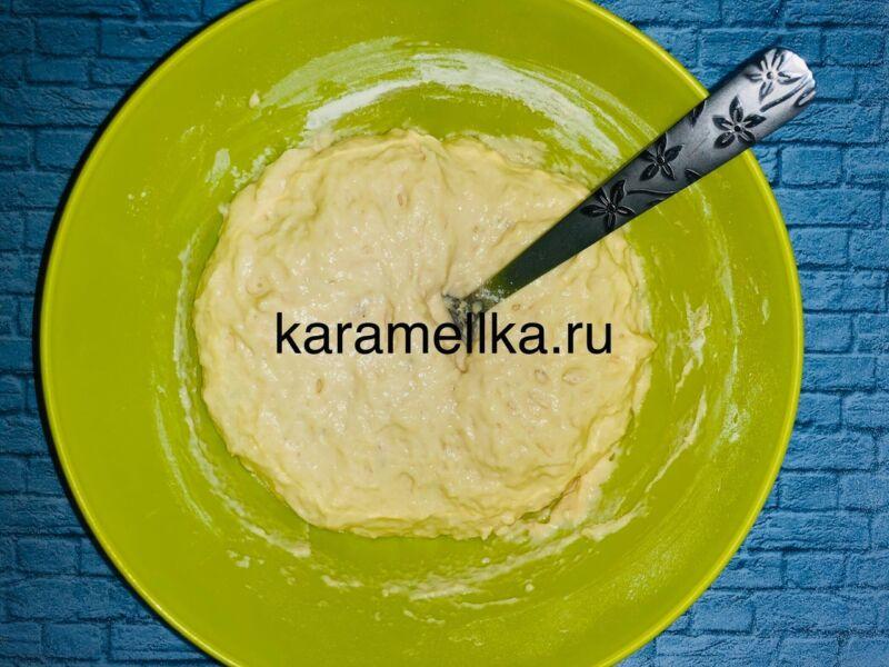 Пышные оладьи на кефире без дрожжей — рецепт с содой и яйцом этап 10