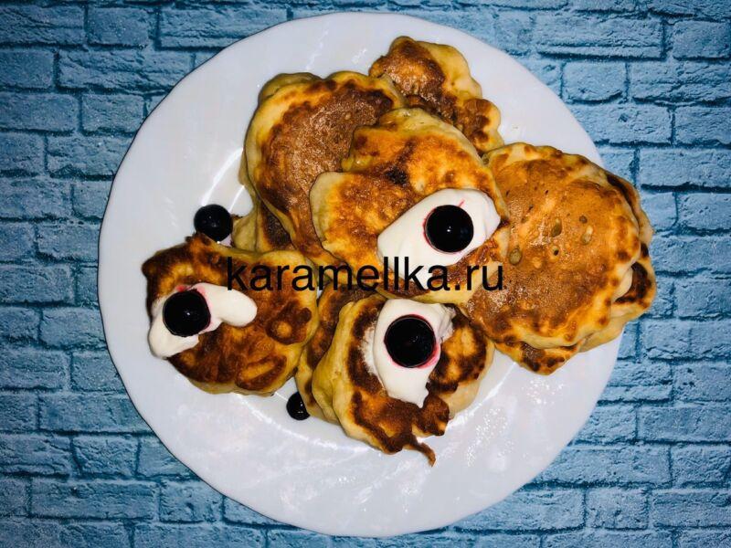 Пышные оладьи на кефире без дрожжей — рецепт с содой и яйцом этап 1
