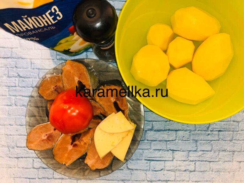 Горбуша запеченная с сыром и помидорами в духовке этап 2
