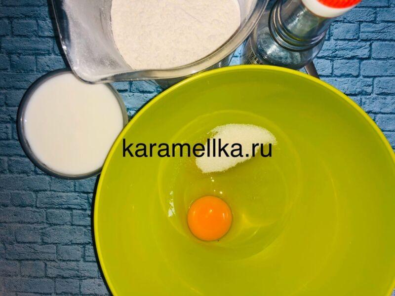 Пышные оладьи на кефире без дрожжей — рецепт с содой и яйцом этап 4