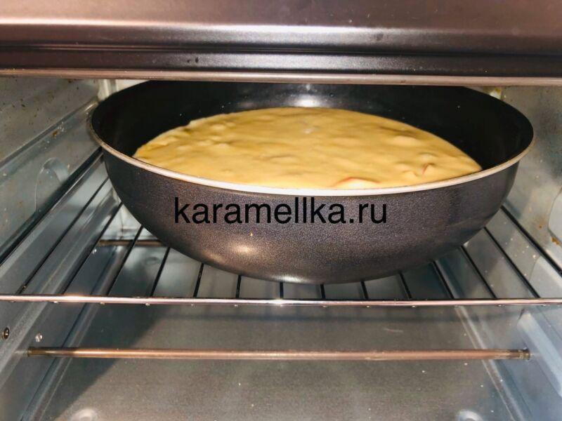 Пышная шарлотка с яблоками в духовке (классический рецепт) этап 11