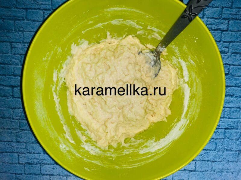 Пышные оладьи на кефире без дрожжей — рецепт с содой и яйцом этап 8