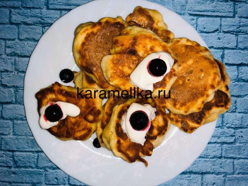 Пышные оладьи на кефире без дрожжей — рецепт с содой и яйцом этап 15