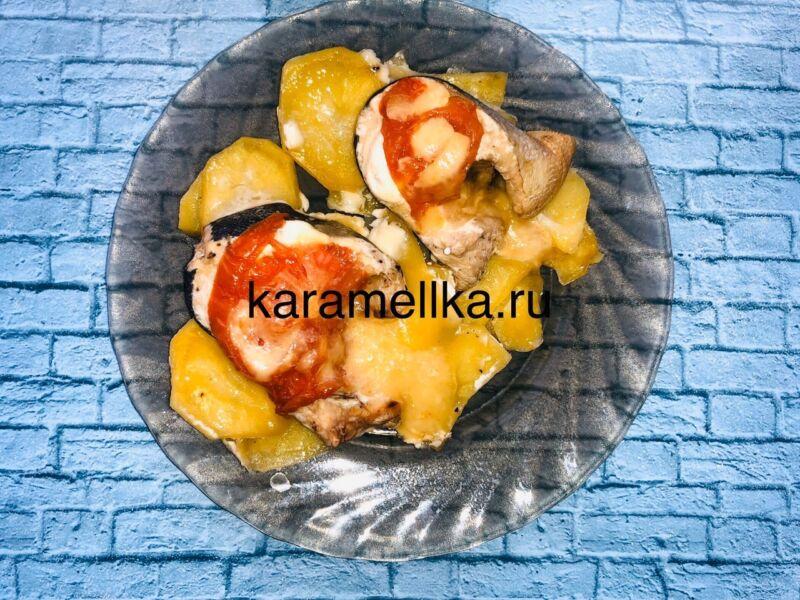 Горбуша запеченная с сыром и помидорами в духовке этап 1