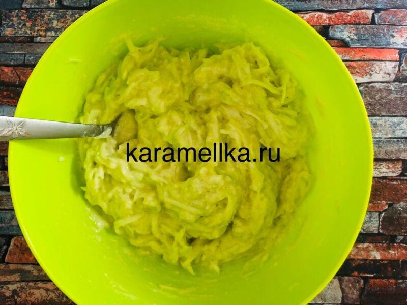 Самый вкусный рецепт оладьев из кабачков на сковороде этап 9