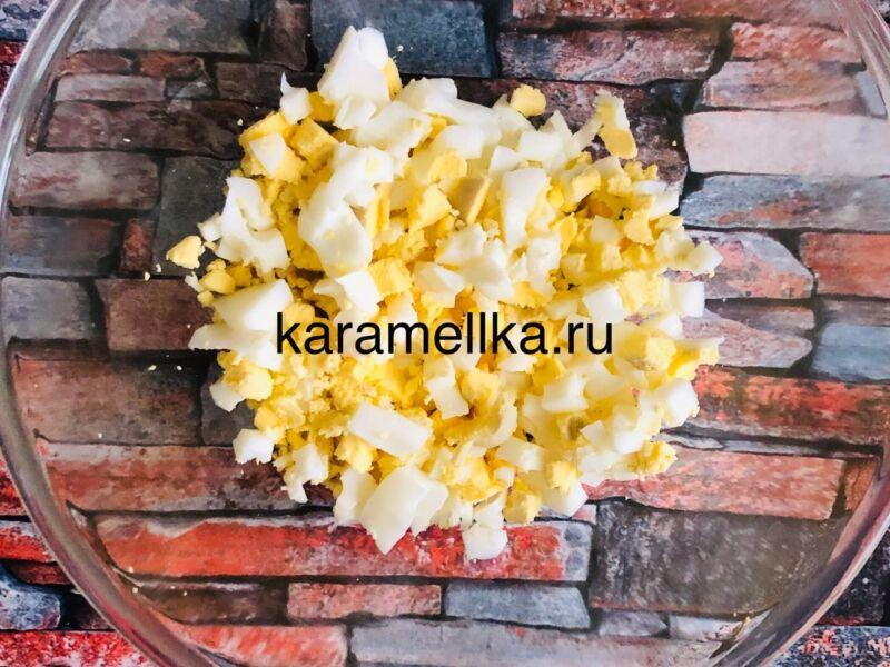 Жареные пирожки с луком и яйцом на сковороде — рецепт на кефире этап 7
