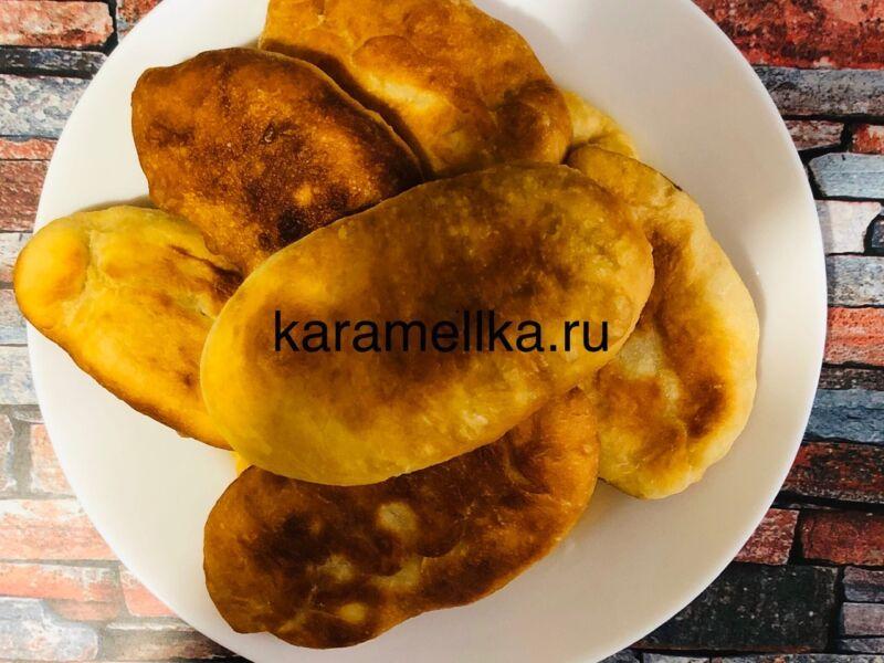 Жареные пирожки с луком и яйцом на сковороде — рецепт на кефире этап 17