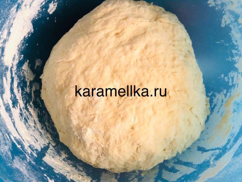 Жареные пирожки с луком и яйцом на сковороде — рецепт на кефире этап 5