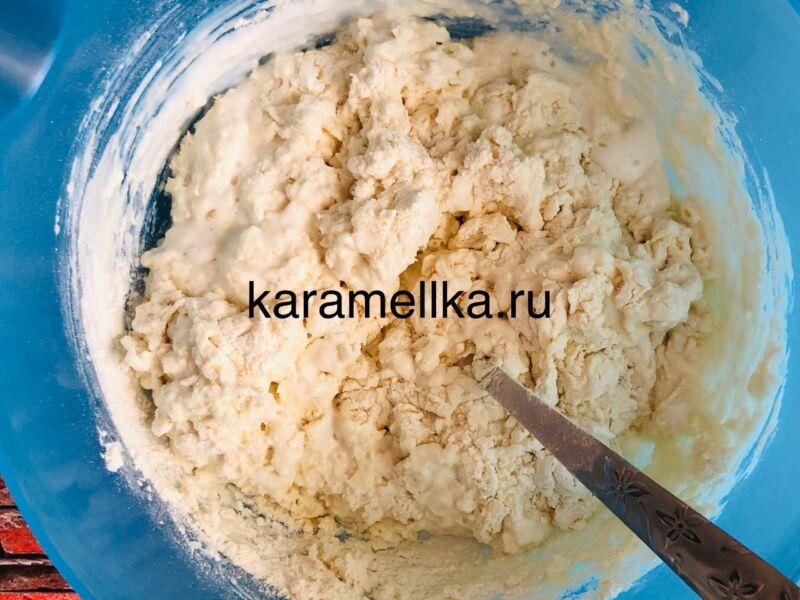 Жареные пирожки с луком и яйцом на сковороде — рецепт на кефире этап 4