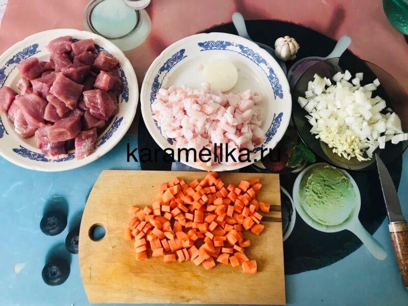 Как приготовить плов из свинины, чтобы рис был рассыпчатым этап 3