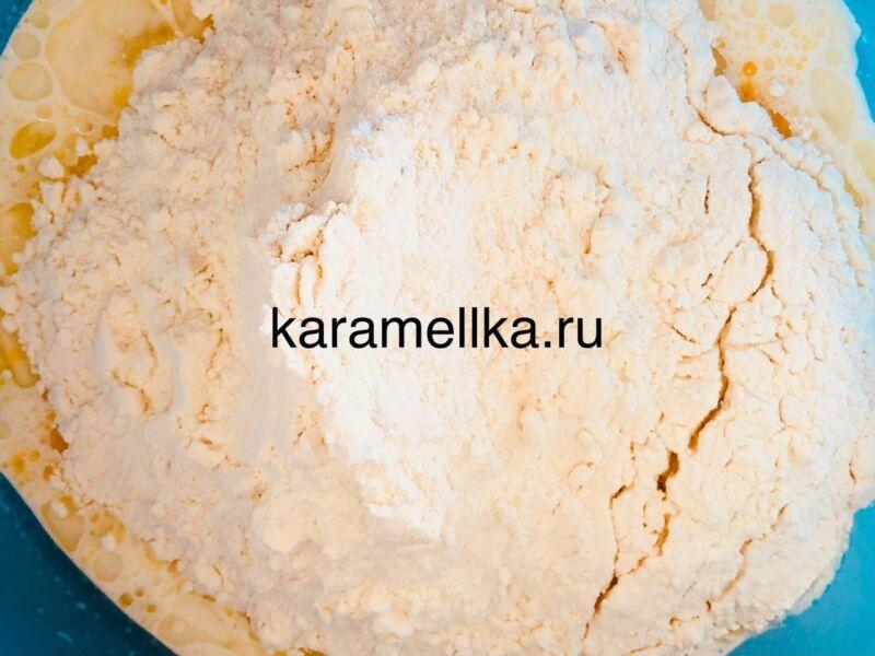Дрожжевые блины на молоке с дырочками (4 рецепта) этап 5