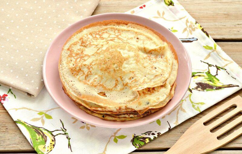 Дрожжевые блины на молоке с дырочками (4 рецепта) этап 17