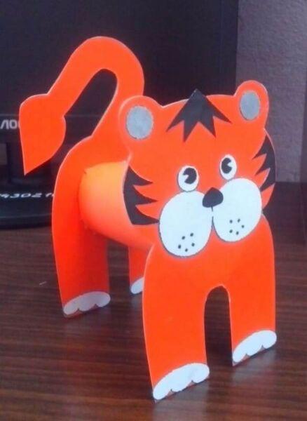 Поделки тигра на Новый год 2022 своими руками из подручных материалов этап 15