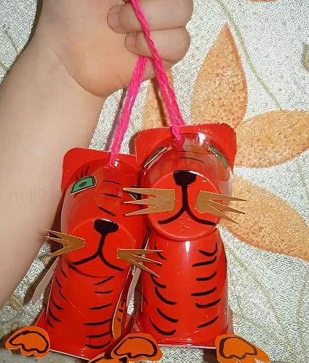 Поделки тигра на Новый год 2022 своими руками из подручных материалов этап 23